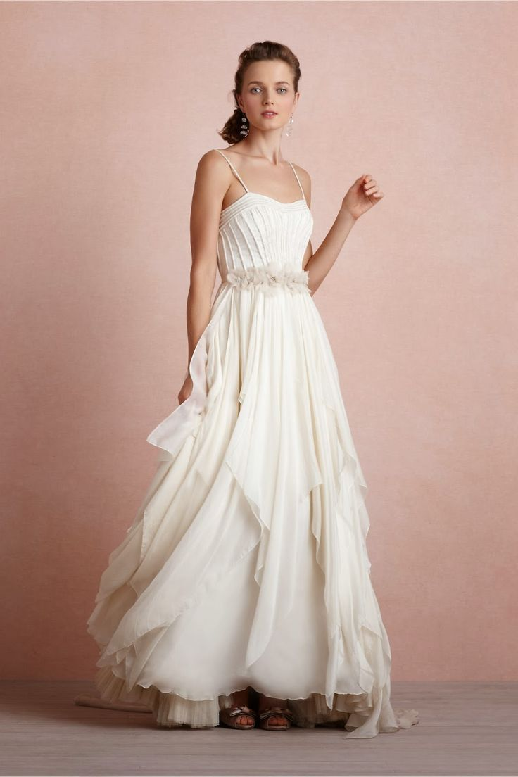 Asombroso Diseños Simples Vestido De Novia Ornamento - Colección de ...