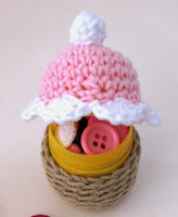http://ladycrochet.blogspot.it/2012/04/spring-cupcakes.html