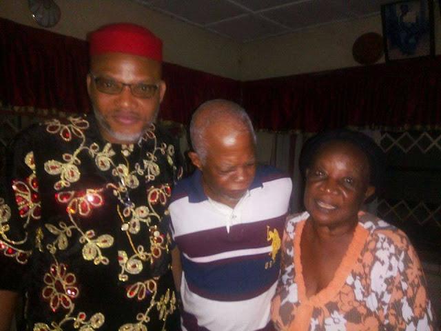 Biafra - Nnamdi Kanu storms Aba Abia State