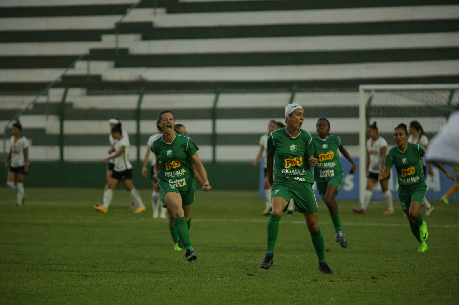 RIO PRETO VENCE O CORINTHIANS PELA SEMIFINAL DO BRASILEIRO - Futebol ... 437d0bc8a1bf1