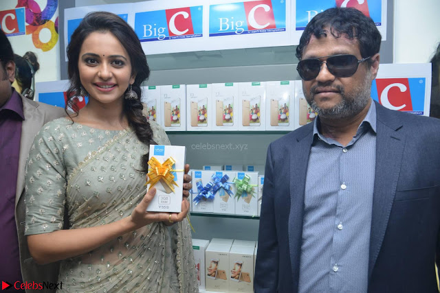 Rakul Preet Singh in a Designer saree at Launch of BIG C Show room at  Kurnool ~ Celebrities Galleries 003.jpg