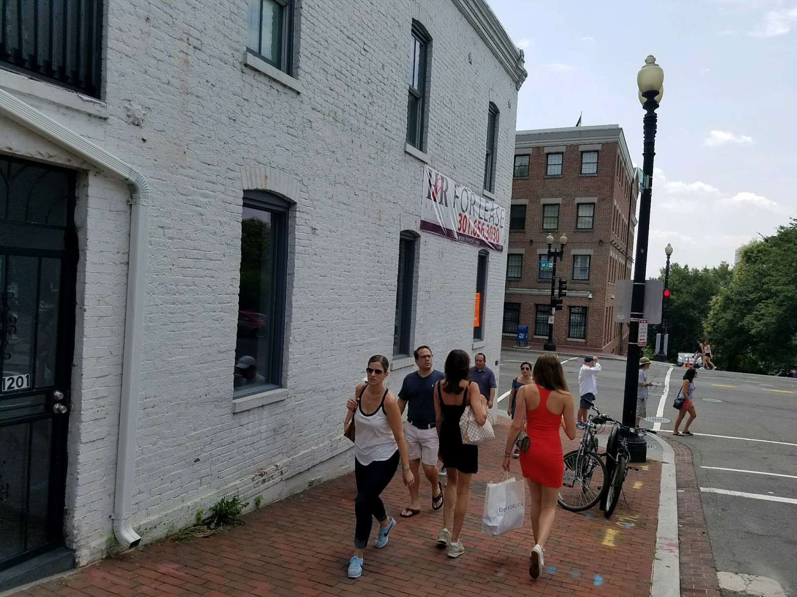 The Cellar Door - July 2017 34th \u0026 M St. NW Georgetown/Washington DC Photos by Hounds That Howell \u0026 thrasher (Click photo to enlarge) & Neil Young News: Caught You Knockin\u0027 At My Cellar Door: I love you ...