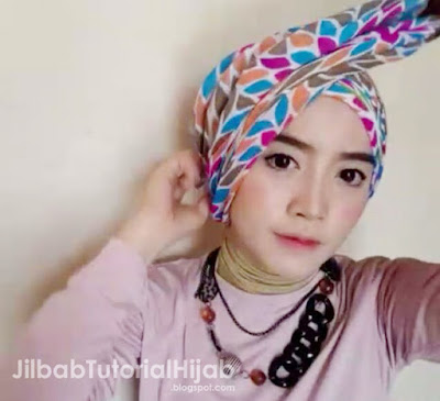 Video Tutorial Hijab Segi Empat Tanpa Jarum Pentul