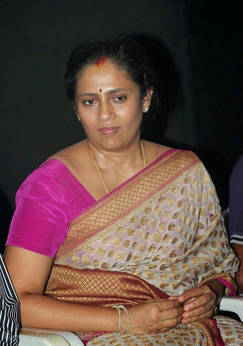 Tv Anchor And Actress Lakshmi Ramakrishnan Hot Photos -6051