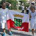 Casal de professores limoeirenses carregam tocha olímpica em sua passagem por Pernambuco