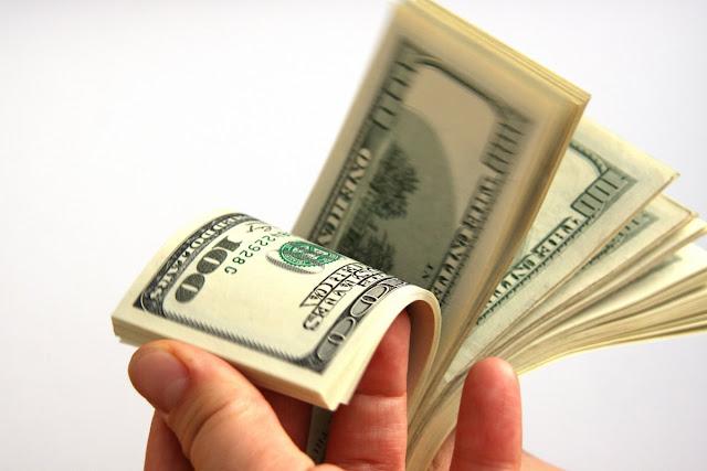 سعرالدولار اليوم الإثنين 8-8-2016، ارتفاع سعر الدولار اليوم  في السوق السوداء والصراف، وإنتظار قرارات هامة من البنك المركزى للسيطره على السوق
