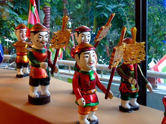 Marionetas de agua, soldados