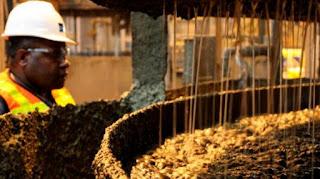 Proses flotasi atau pengapungan mineral tambang, seperti tembaga, emas, dan perak.  - Foto/KOMPAS
