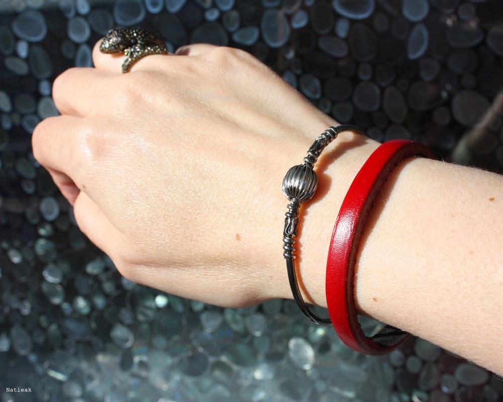 bracelet jonc Cuir de couleur rouge bordeaux de la collection Océanie