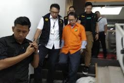 14 Jam Diperiksa, Joko Driyono Akhirnya Keluar Pakai Rompi Tahanan