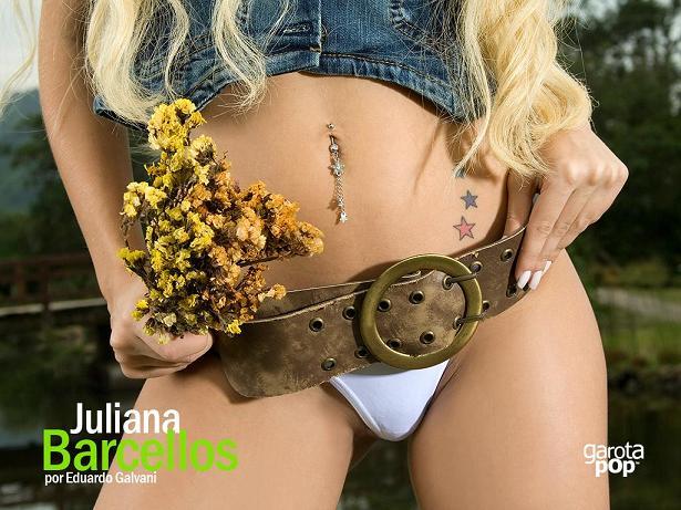 A loirinha Juliana Barcellos, gostosa e nua