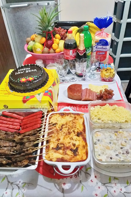 New Year, New Year celebration, Media Noche, 2018, Family, food, home, lucky charm,