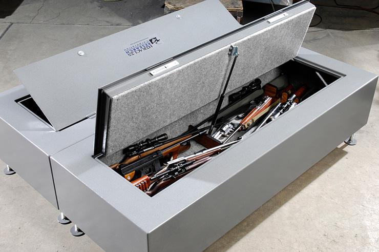 Стальная кровать с сейфом для оружия