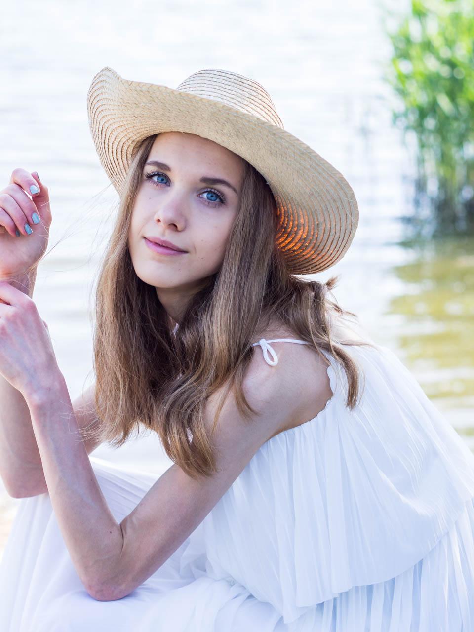 juhannus-midsummer-2019-white-maxi-dress-valkoinen-maksimekko-kesämuoti-fashion