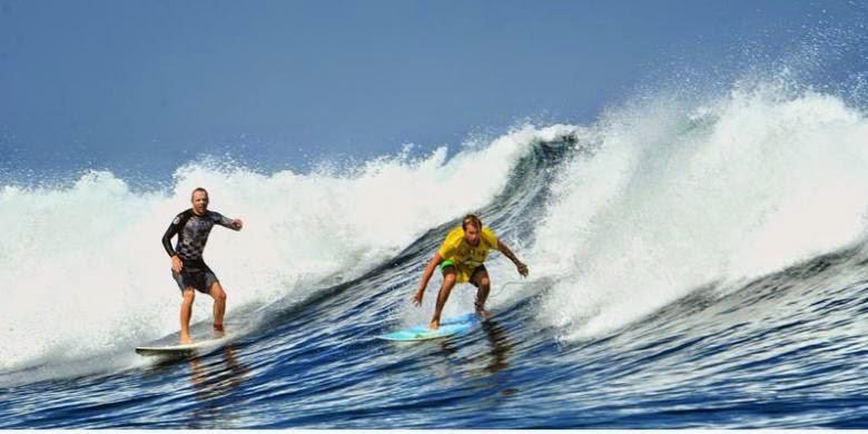 Pantai Plengkung alias G-Land, surganya pecinta surfing dunia.