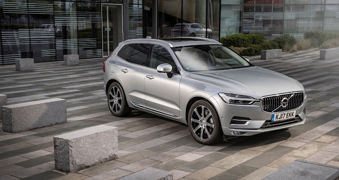 Volvo XC60 front view