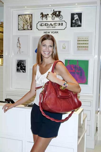 """Laura Sánchez presenta """"Kira"""", el bolso más exclusivo de COACH."""