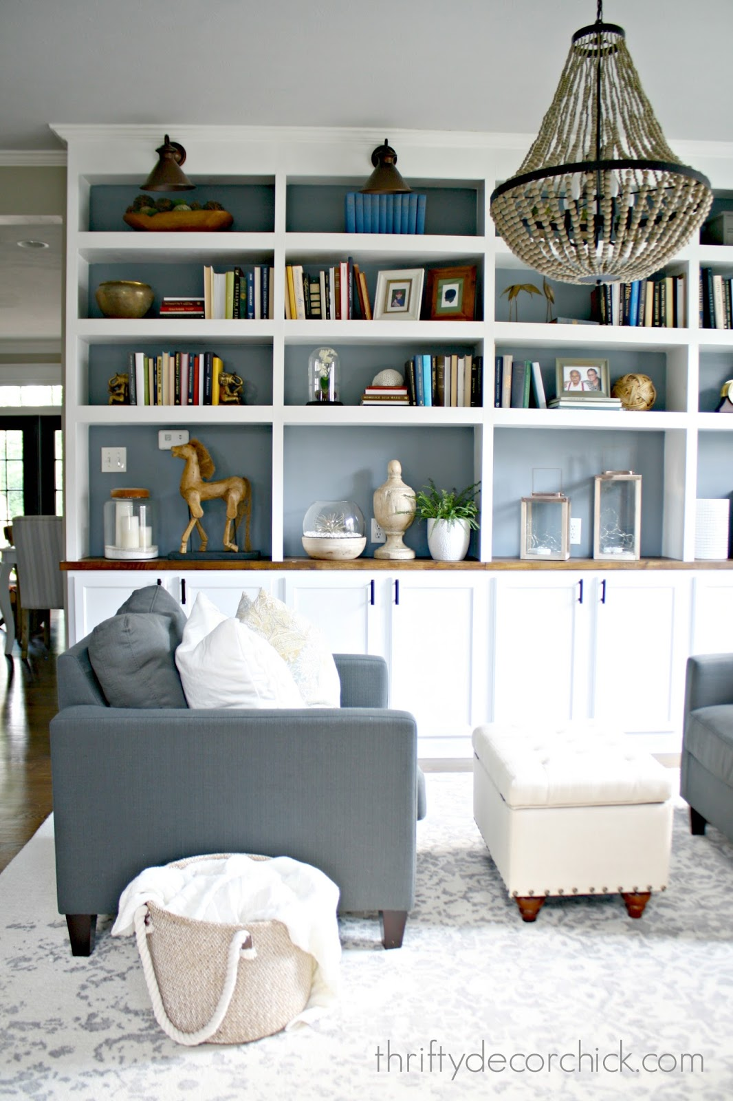 how to decorate bookcases - How To Decorate Bookshelves