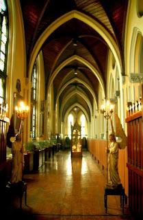 http://www.teluklove.com/2017/04/daya-tarik-objek-wisata-museum-katedral.html