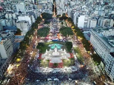 #Marcha8M: 700 mil mujeres se movilizaron para reclamar por sus derechos inalienables