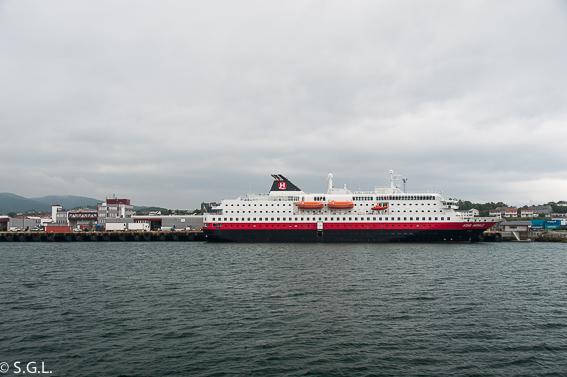 Hurtigruten en Bodo. Noruega