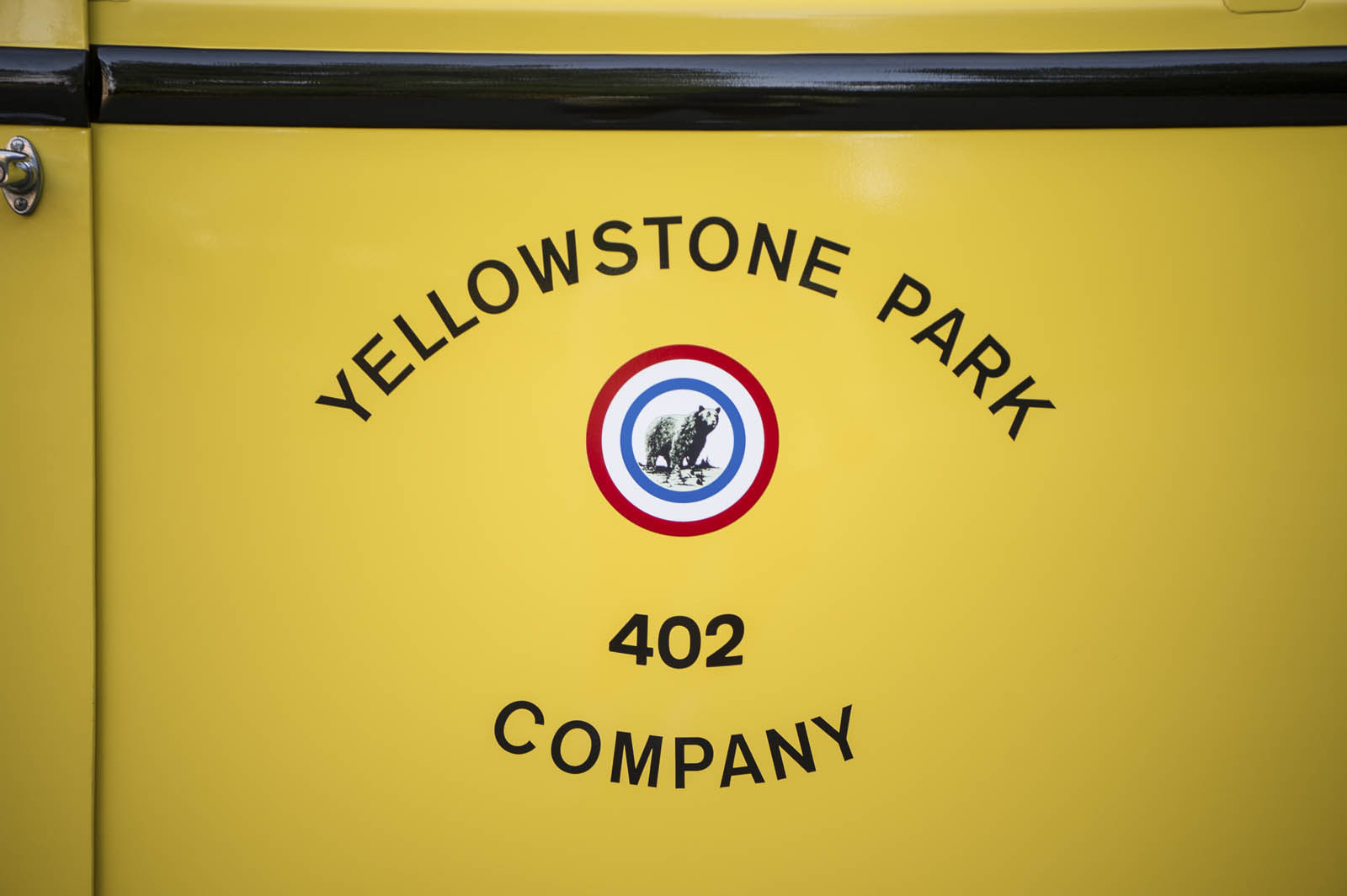 1937-white-yellowstone-bus-3-01.jpg