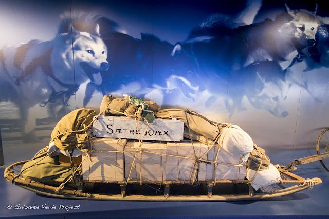 Perros y Trineo - Museo Fram, Oslo por El Guisante Verde Project
