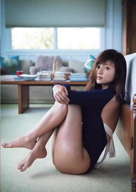 Kyoko Fukada 深田恭子 AKUA Weekly Playboy No 31 2016 Pics 04