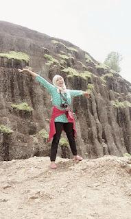 Cewek dan foto hijab cantik di gunung