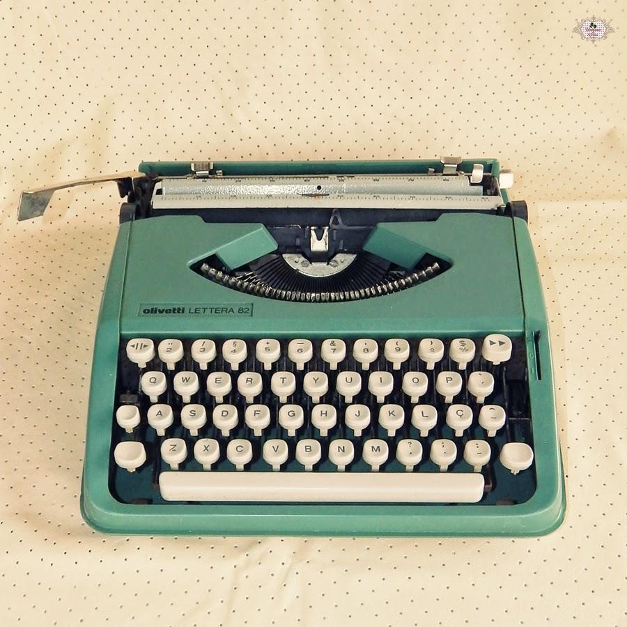 decoração com máquina de escrever fofa