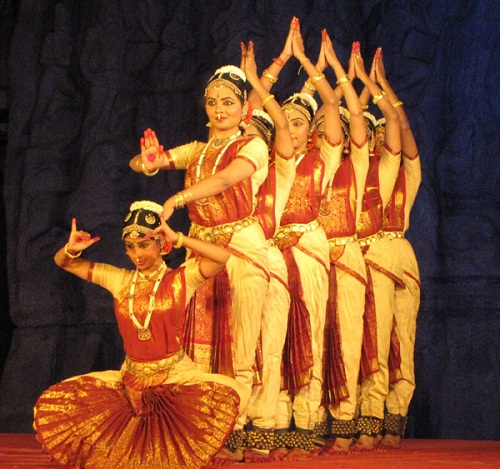 Traditional Costumes of Tamil Nadu for Men and Women