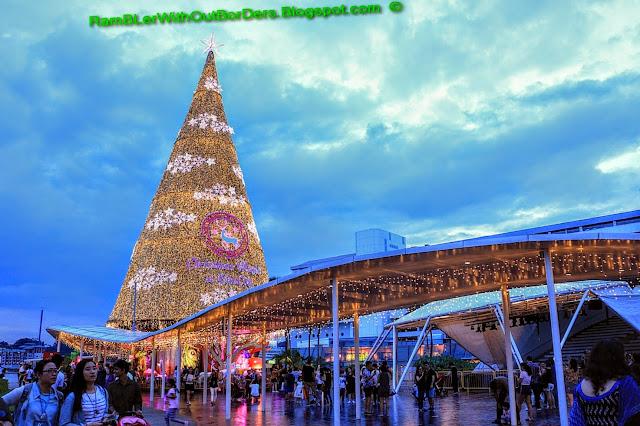 Christmas tree, rooftop, Vivocity, Singapore