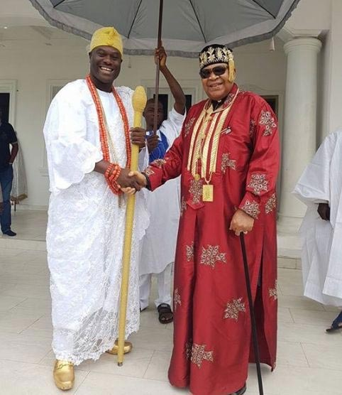Who got more swagg? Picture of Ooni of Ife and King Jaja of Opobo goes viral