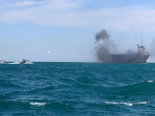Latihan Perang di Selat Hormuz