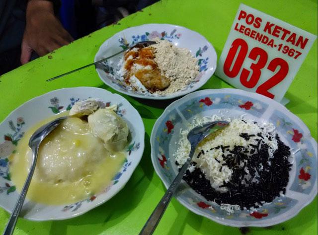 Wisata kuliner Malang Pos Ketan Legenda (1967)