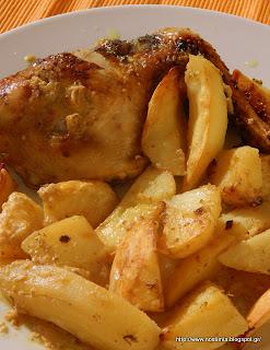 Κλασικό κοτόπουλο στον φούρνο με πατάτες-Roasted lemon greek chicken with potatoes