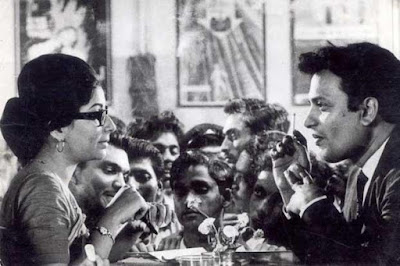 Sharmila Tagore (Aditi Sengupta) and Uttam Kumar (Arindam Mukherjee) in Satyajit Ray's Nayak: The Hero