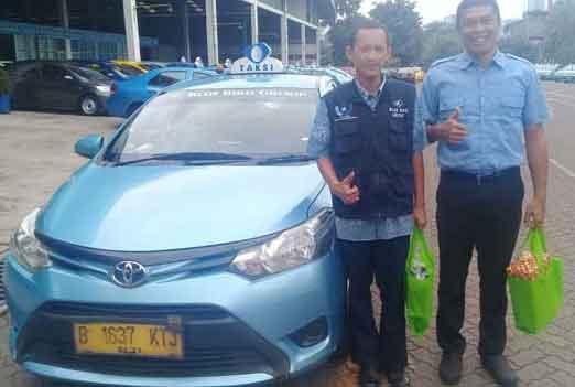 Sungguh Heroik,Supir Blue Bird Ini Gagalkan Aksi Pembegalan Motor di Bekasi
