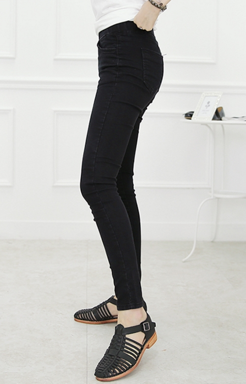Pull-On Mid-Rise Skinny Jeans