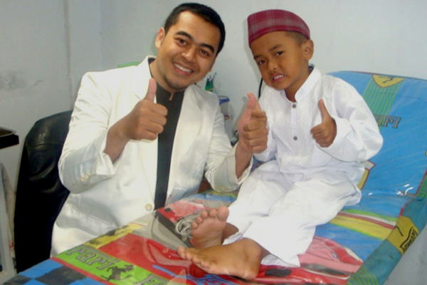 Muallaf Umur 26 Tahun, Bagaimana dengan Khitannya? Begini Penjelasan Lengkapnya!