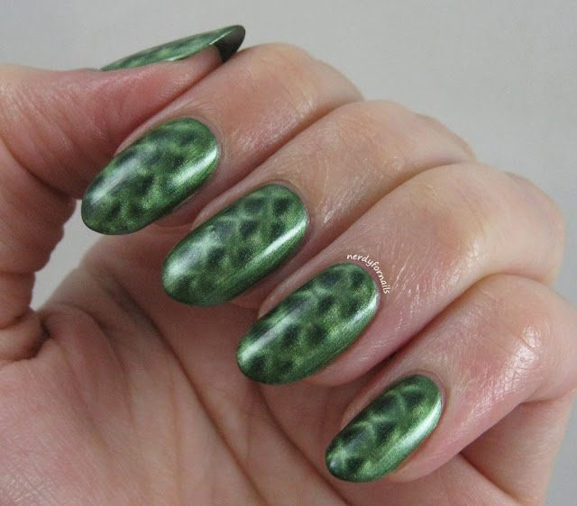 Nails Inc- Spitalfields- Green Magnetic Fishnet Patterned Polish- St Patrick's Nail Art