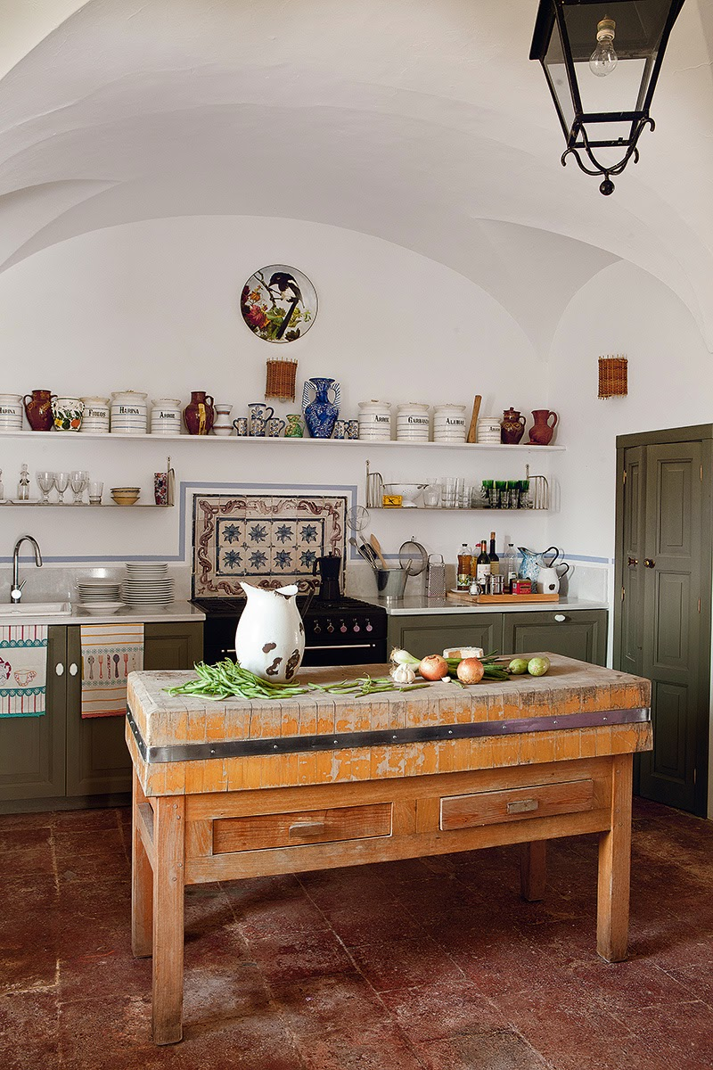 Decor inspiration eugenia silva casa in extremadura for Cocinas rusticas modernas