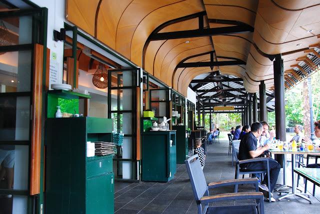 Kawiarnia w parku