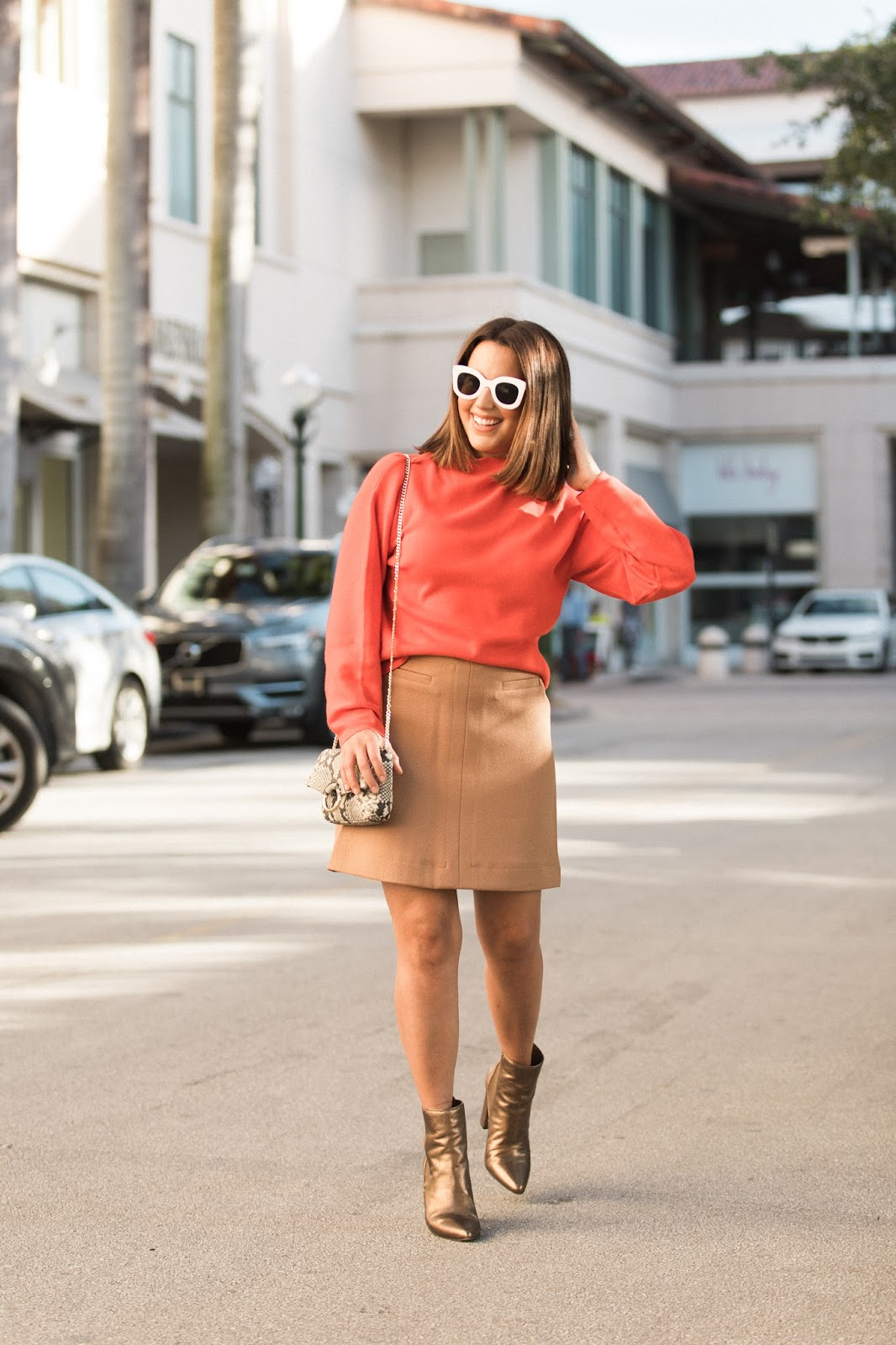 fall-outfits-orange-sweater-and-camel-skirt-blogger-kelly-saks