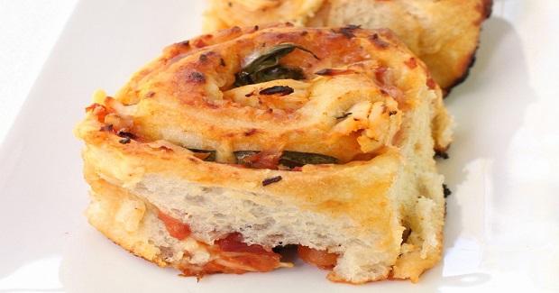 Saucy Chicken Pizza Rolls Recipe