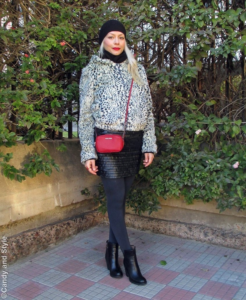 BlackBeanie+FauxFurJacket+MiniSkirt+MiniBag+AnkleBoots+RedLips - Lilli Candy and Style Fashion Blog