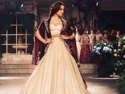 Kangana Ranaut looked royal in her Victorian-inspired lehenga as a showstopper for Anju Modi's fashion show