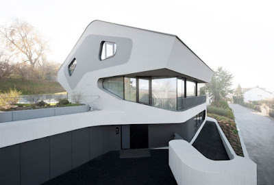 Spectacular Unique Home Designed for Futuristic Impression