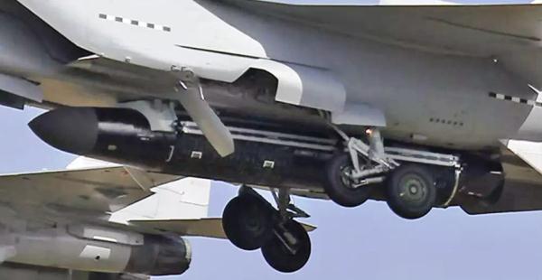 MiG-31 dan rudal misterius