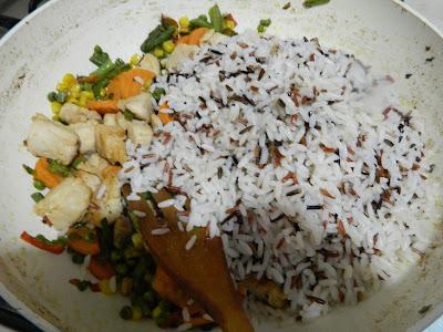 Salata de orez  cu legume si piept de pui